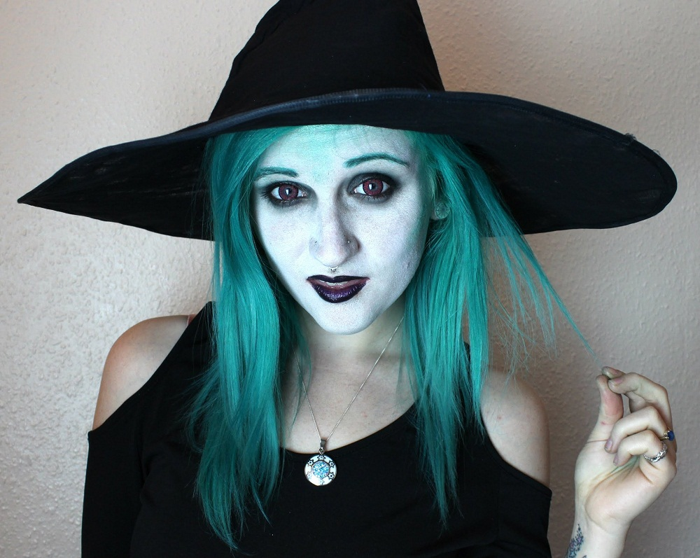 sexy witch make up idea